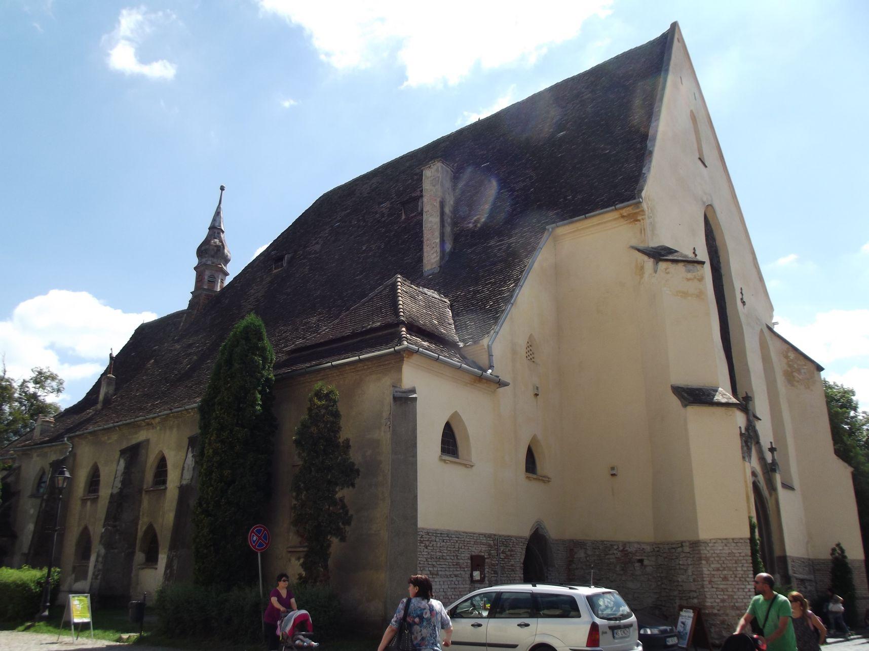 Kolostor templom