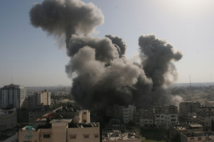 Két robbanás között mobilapp fejlesztés Gázában