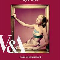 KIÁLLÍTÁS: Grace Kelly: Style Icon