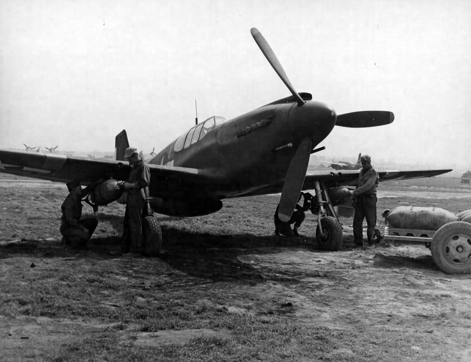 a-36_527th_fbs_86th_fbg_1944_italy.jpg