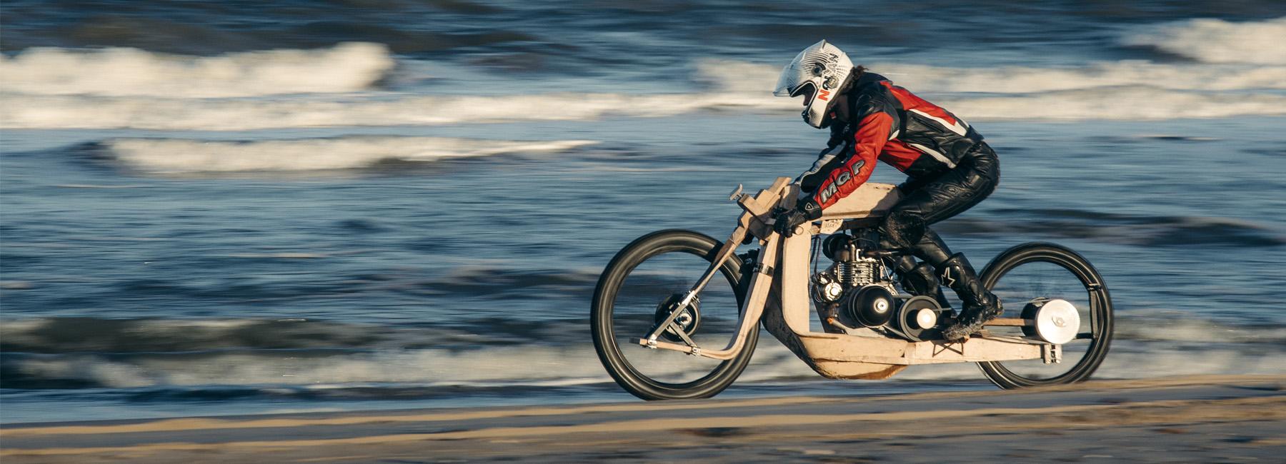 ritsert-mans-peter-mooji-algae-bike-designboom-05-19-2017-818-fullheader.jpg