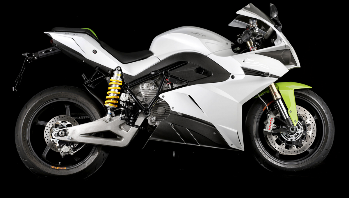 the-energica-ego-is-another-option-for-those-looking-for-more-speed-the-italian-superbike-gets-an-output-of-136-hp-with-195-nm-roughly-144-ft-lb-of-torque.jpg