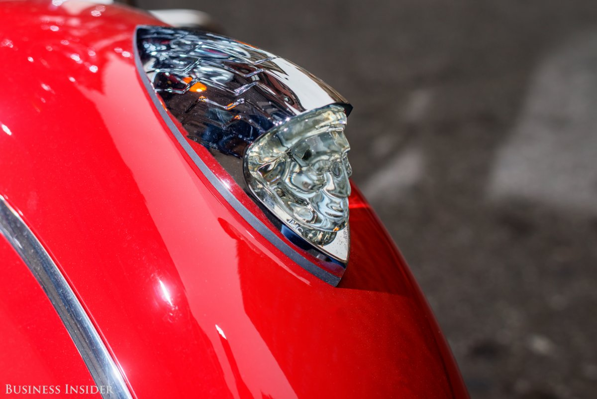 this-war-bonnet-ornament-lights-up-and-projects-from-the-front-wheel-fairing.jpg