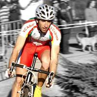 Rajt utáni bukásba halt bele a francia kerékpáros