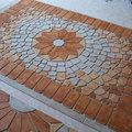 Két mozaik egy térben
