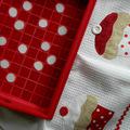 Piros-fehér pöttyös mozaik tálca :)