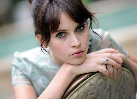 felicity-jones-girls.jpg