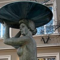 Kik a legvonzóbb szoborcsajok Budapesten? Most szavazhatnak!