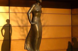 Mitől vonzó és szexi egy női szobor?