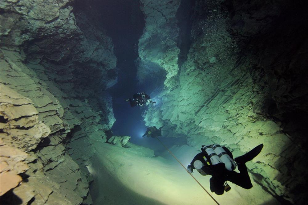 molnar_janos-barlang.jpg
