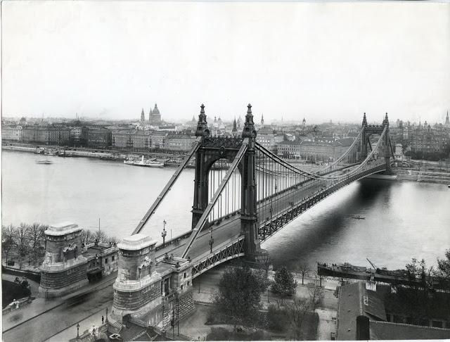 the_elisabeth_bridge_in_budapest_over_time_4.jpg