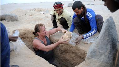Szegedi antropológus kolléga a kelet-egyiptomi Arab-sivatagban