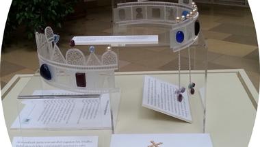 Megfoghatatlan szimbólumok – a Szent Korona drágakövei