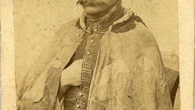 Egy magyar betyár a 19. század végéről. Képek az Embertani fotógyűjteményből 4.