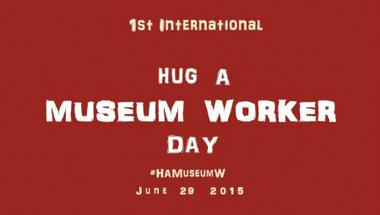 Ölelj meg egy múzeumi dolgozót vagy Kázmért, a medvét