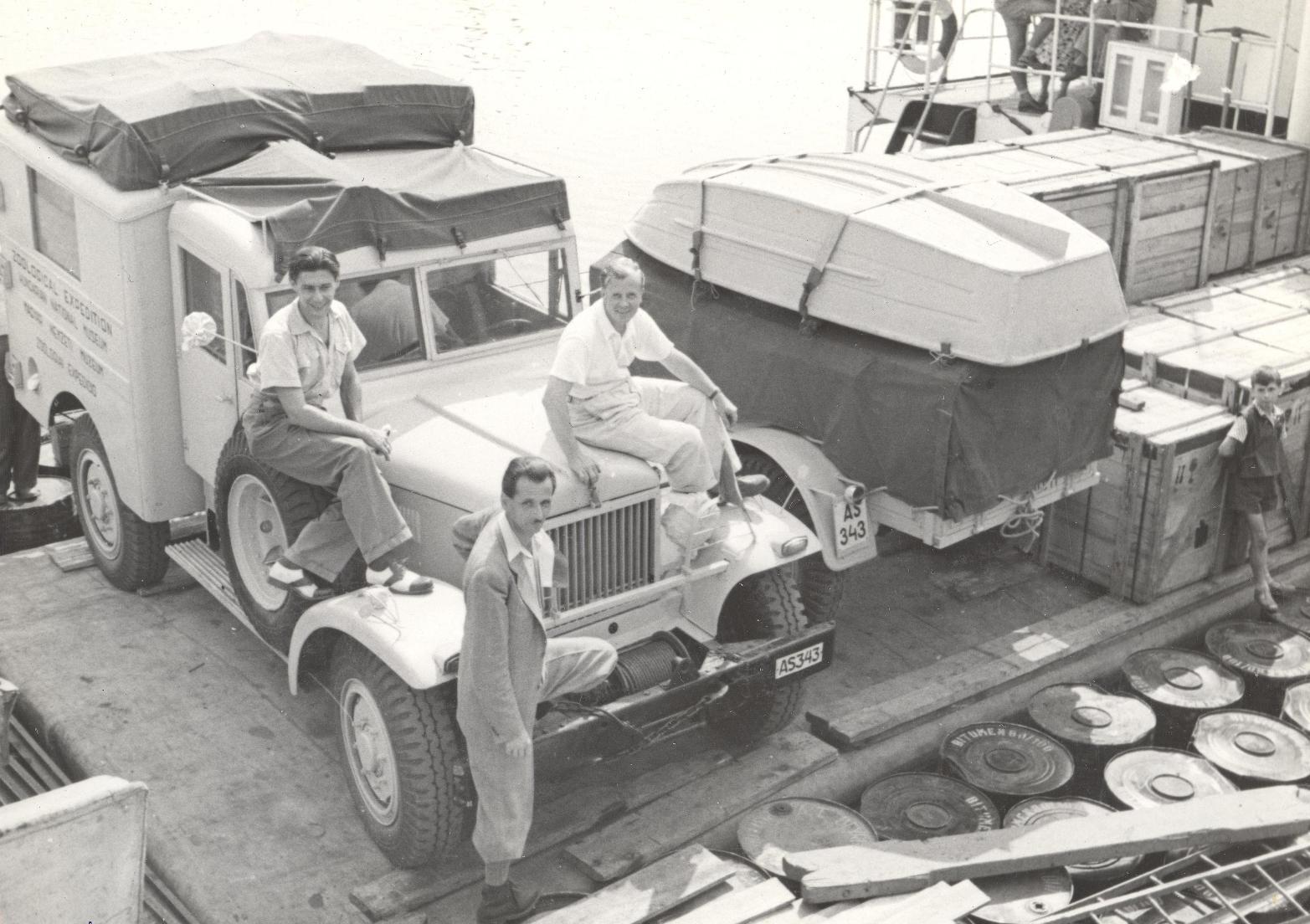 Balról jobbra: Gozmány, Horváth és Visóvölgyi. Három hétig tartott a hajóút, Dely Olivér csak Egyiptomban csatlakozott a csapathoz.