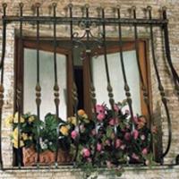 A télikert ablakaira is kerülhet rács