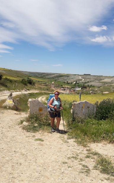 El camino Hontanas határkő, plusz Andrea
