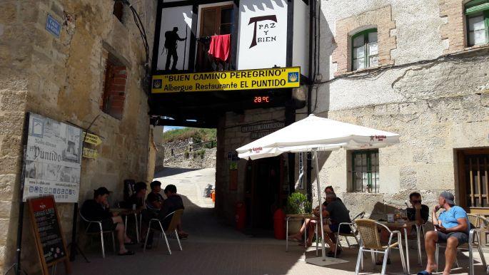 El camino Hontanas, Albergue Puntido bejárata