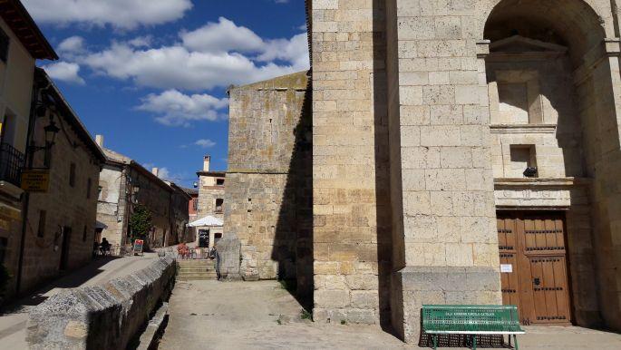 El camino Hontanas, templom