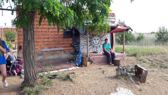 El camino, La Casa de Los Dioses - Isten Háza. Az oázis, amit David működtetett a zarándokok szolgálatára.
