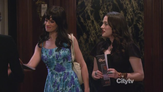 2brokegirls2.png