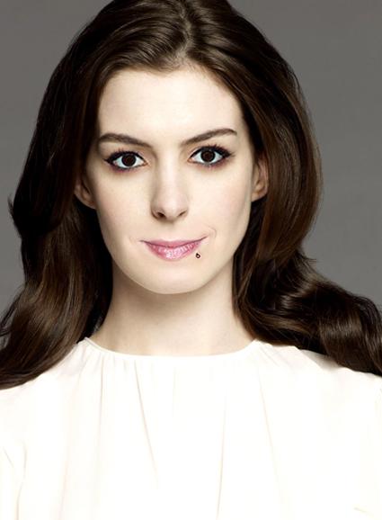 Anne Hathaway és Bogdányi Titanilla