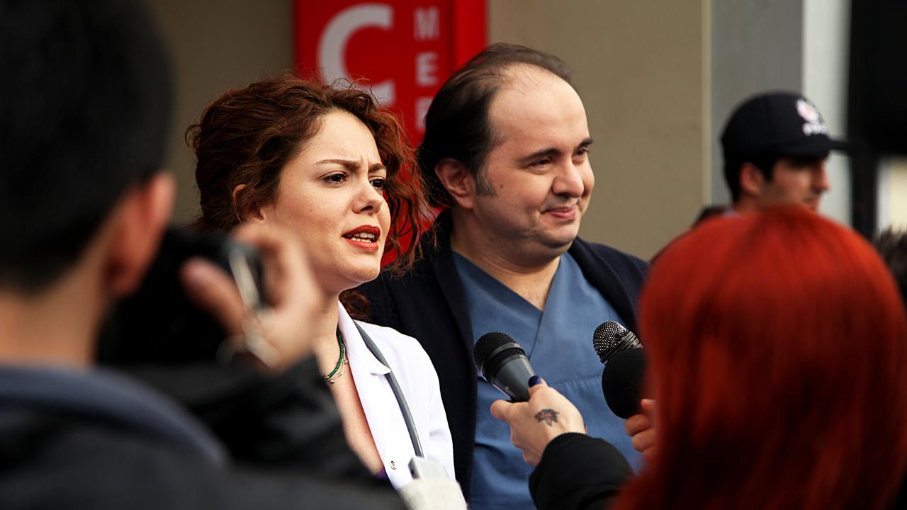 Duygu Yetis (Nisan) és Serkan Öztürk (Malik)