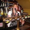 Sörözés egy londoni pub-ban