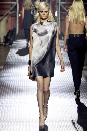 7986_fs.lanvin.0.00130h1_fashionshow_article_portrait.jpg