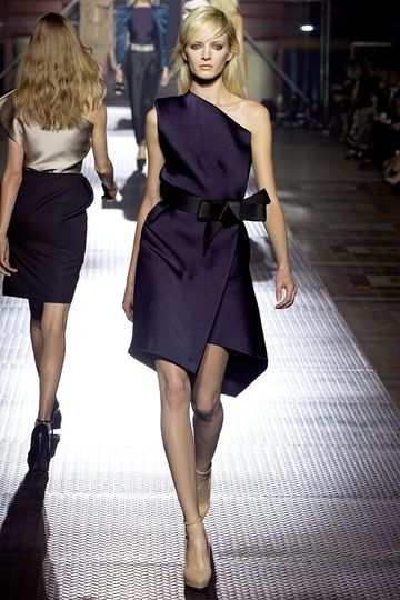 7986_fs.lanvin.0.00400h1_fashionshow_article_portrait.jpg