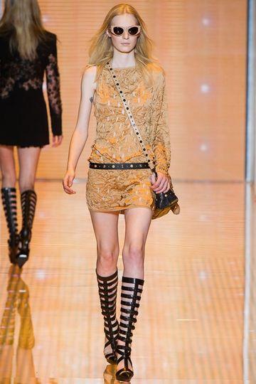 7986_fs.versace.0.00110h1_fashionshow_article_portrait.jpg