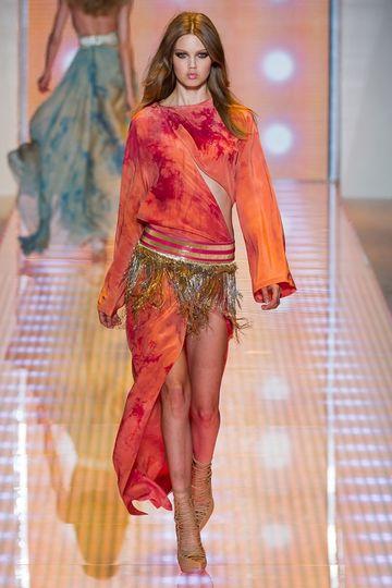 7986_fs.versace.0.00480h1_fashionshow_article_portrait.jpg