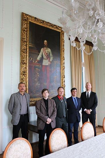 A magyar előadók és Fodor Gábor a konferencia helyszínén