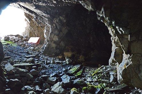 A második alagút, a lőrés nélküli, raktár lehetett