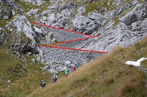 A Wolayer-hágótól a Hohe Warte felé vivő gyalogút támfalai (27. kép)
