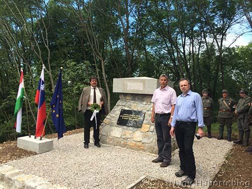 A Monte San Gabrielén álló 2012-ben megtalált, majd felújított emlékgúla 2014. július 29-ei avatásán Stencinger Norbert, Rózsafi János és Pintér Tamás