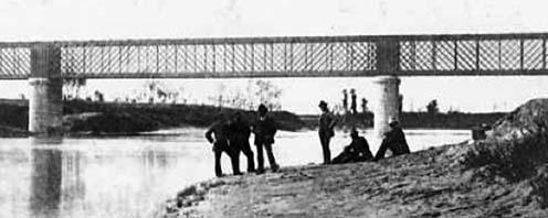 A Piave új vasúti hídja San Doná di Piave község mellett a 20. század elején