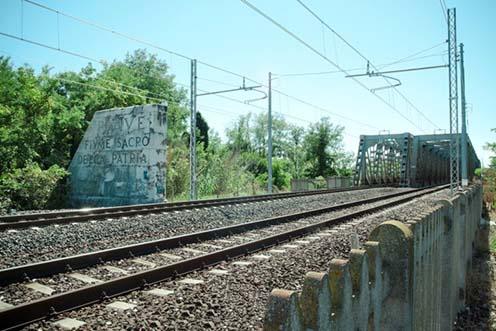 Az emlékmű napjainkban a San Doná-i vasúti hídnál