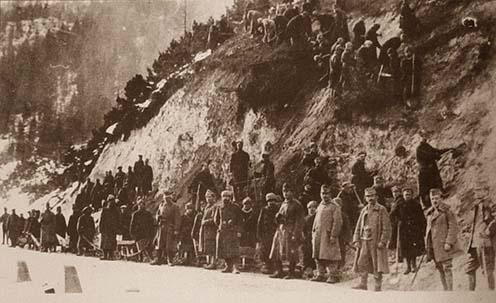 Orosz hadifoglyok építik a Vršič utat