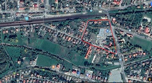 Piros vonallal jelölve az egykori tábor területe a mai Sülysáp város területén