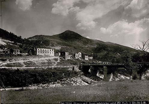 Az Isonzo híd Plávánál és a Monte Kuk