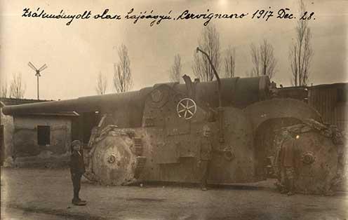 Zsákmányolt olasz hajóágyú. Cervignano, 1917. december 28.