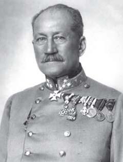 Schönburg-Hartenstein lovassági tábornok, aki 1917. augusztus 22-étől az Isonzó mentén harcoló cs. és kir. IV. hadtest parancsnoka