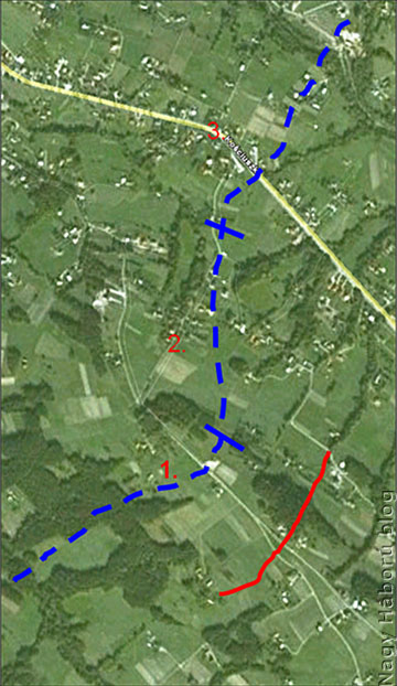 Az 1914. december 8-a esti állapot Google Earth alkalmazásra vetítve. Kékkel a huszárok védővonala, előttük pirossal a Jabloniec előterében magát beásó orosz gyalogság