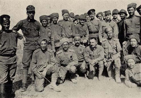 A 34-es bakák és az orosz katonák húsvéti barátkozása