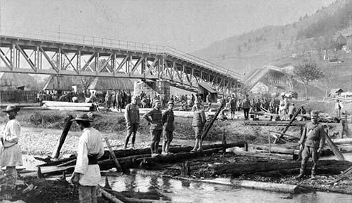 Gyimesbükki felrobbantott határszéli híd 1916 őszén, a románok kiverése után