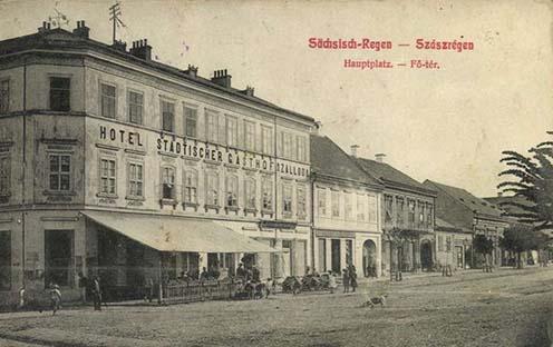 Szászrégen főtere korabeli képeslapon