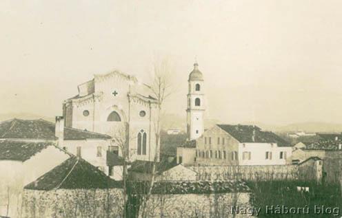 Santa Lucia di Piave temploma 1918 februárjában még épp ablakokkal és harangtoronnyal