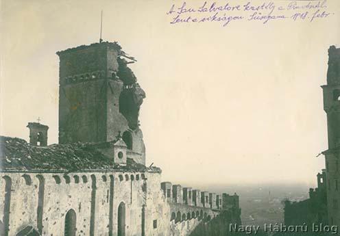 A romos San Salvatore kastély a háttérben Suseganával és a síksággal